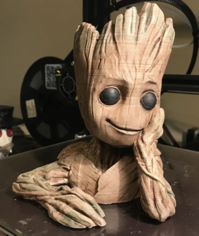 Candore Et Labore Tree person bust